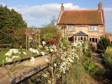 David Parrys Cottage in Norfolk_resized.jpg